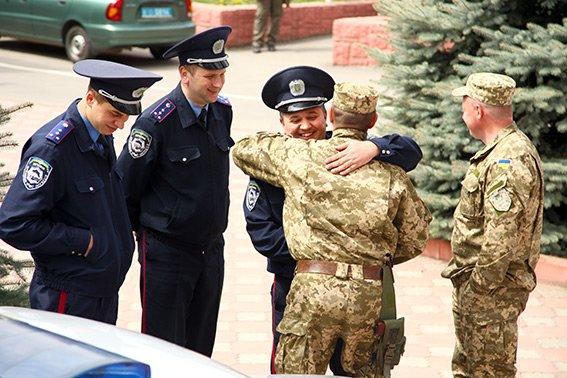 У зону АТО з Хмельницького вирушив зведений загін працівників ДАІ (фото) - фото 4