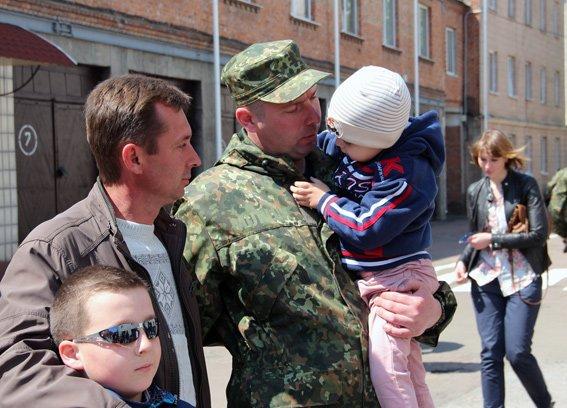 Зведений загін правоохоронців Житомирщини вирушив у зону АТО (фото) - фото 1