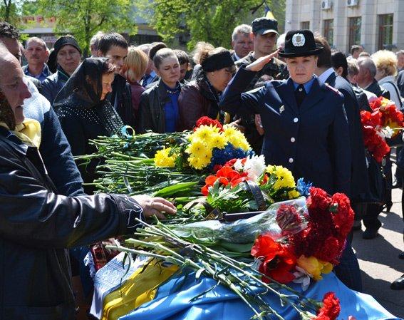 Житомир попрощався з героєм-добровольцем міліції Віктором Лаговським (фото) - фото 1