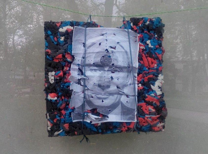 В центрі Івано-Франківська «вбивають» Путіна (ФОТО) (фото) - фото 4