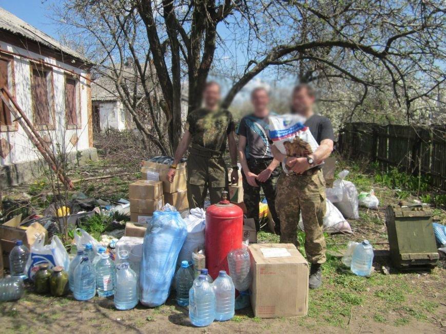 Волонтеры «39 Женской сотни» больше суток не могли выехать из зоны АТО из-за обстрелов (ФОТО) (фото) - фото 2