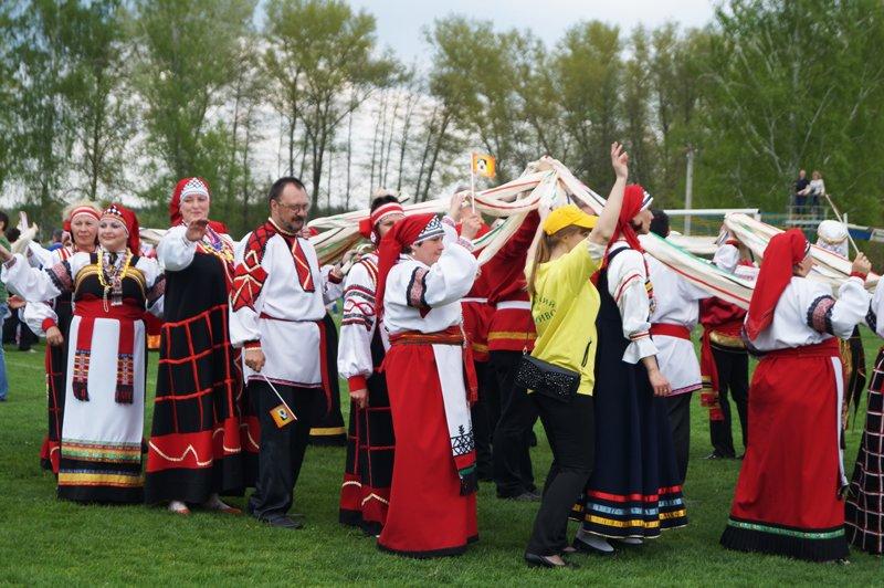 В Грайвороне поставили рекорд России и мира по хороводу (фото) - фото 11