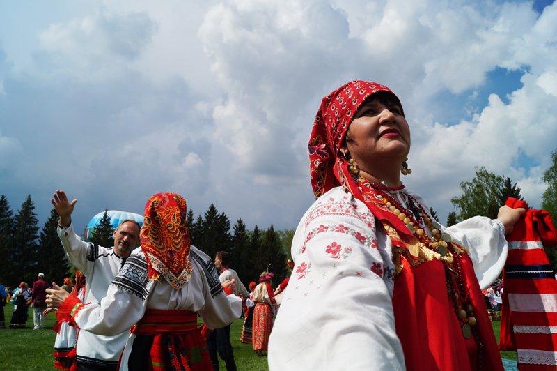 В Грайвороне поставили рекорд России и мира по хороводу (фото) - фото 8