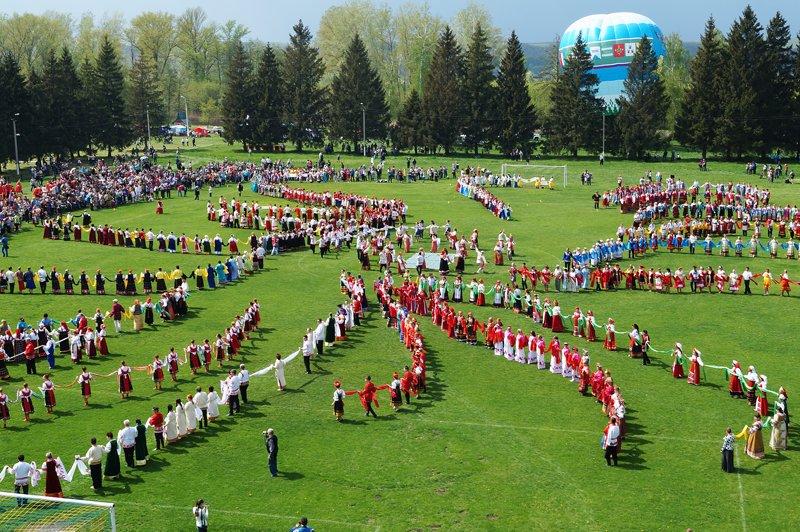 В Грайвороне поставили рекорд России и мира по хороводу (фото) - фото 7