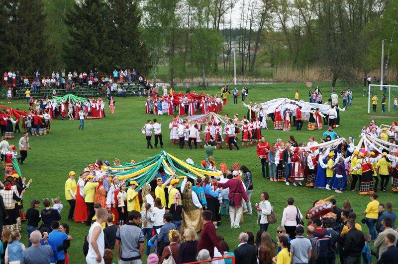 В Грайвороне поставили рекорд России и мира по хороводу (фото) - фото 10
