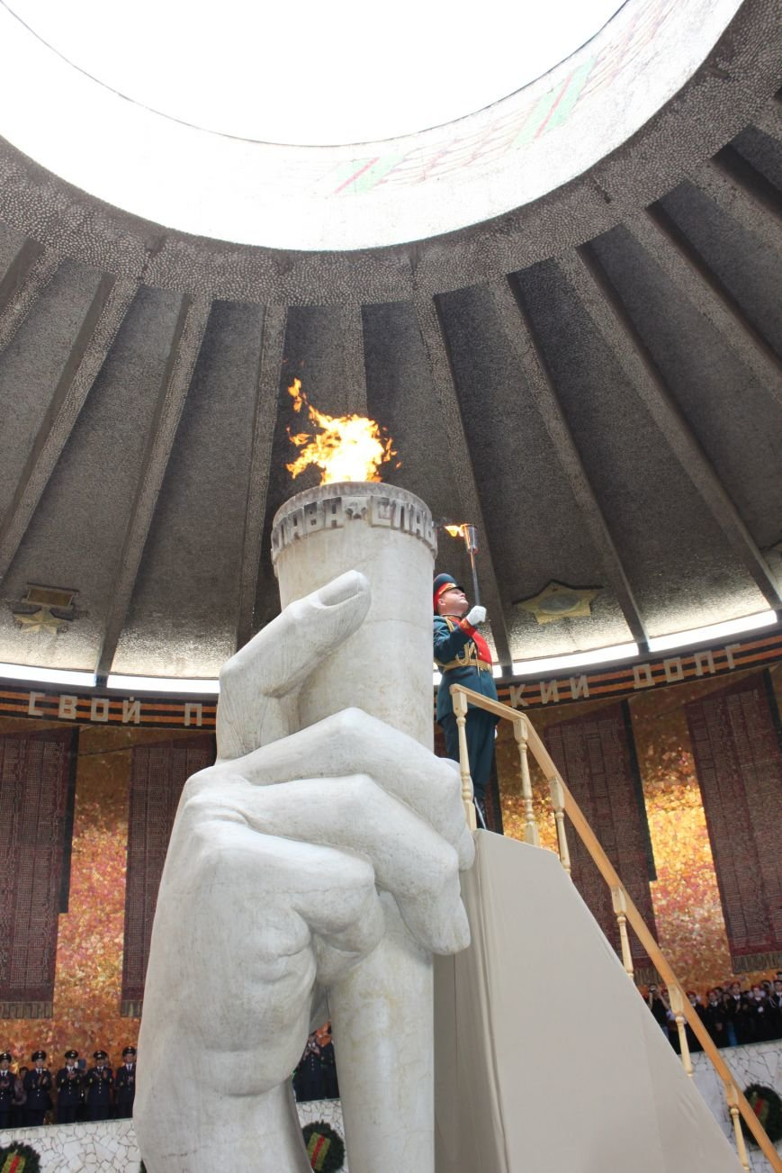 В Волгограде вновь зажжен Вечный огонь, фото-8
