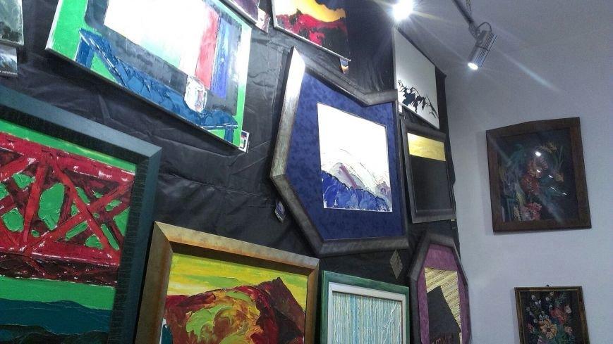 В Івано-Франківську відбулася виставка Ярем Стецика «Karpadon» (фото) - фото 8