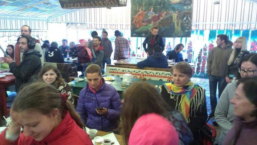 В Івано-Франківську відбулася виставка Ярем Стецика «Karpadon» (фото) - фото 2