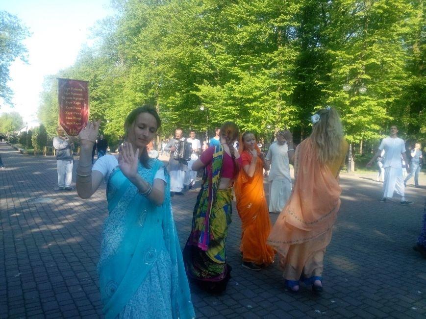Крішнаїти дарують радість мешканцям Івано-Франківська (ФОТО + ВІДЕО), фото-4