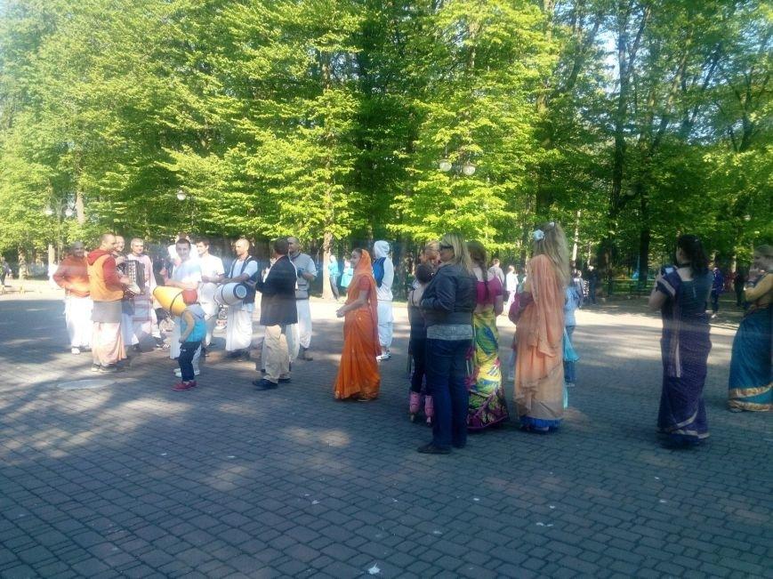 Крішнаїти дарують радість мешканцям Івано-Франківська (ФОТО + ВІДЕО), фото-3