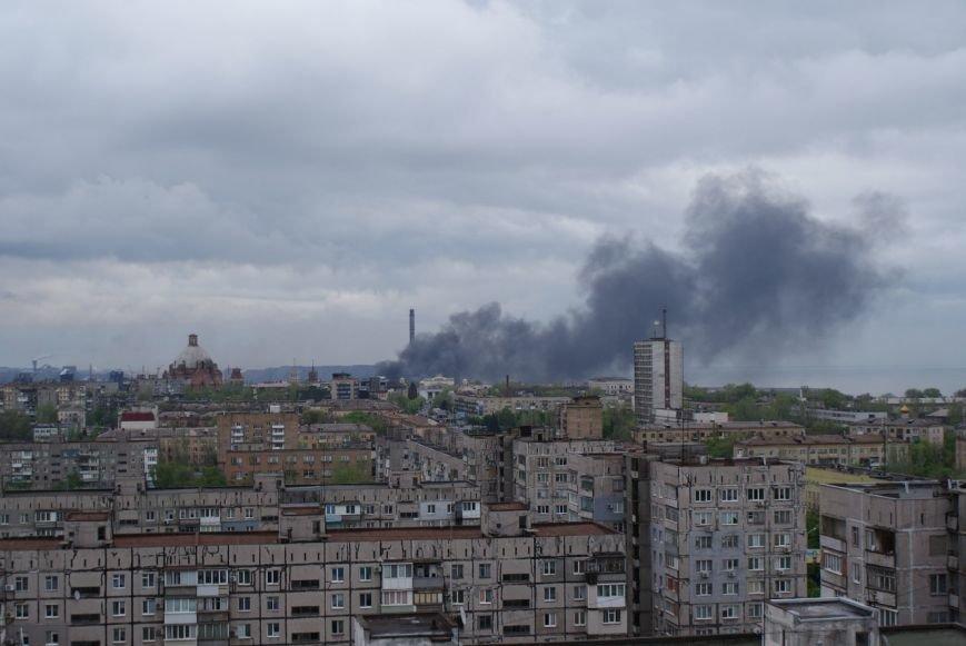 В Мариуполе серьезный пожар. Небо в центре почернело (ФОТО) (фото) - фото 3