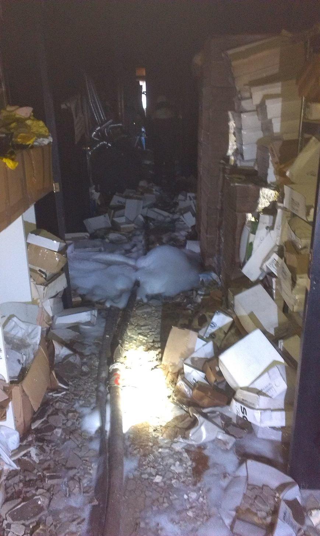 В Днепродзержинске возле остановки Южная горело промышленное здание (Дополнено) (фото) - фото 7