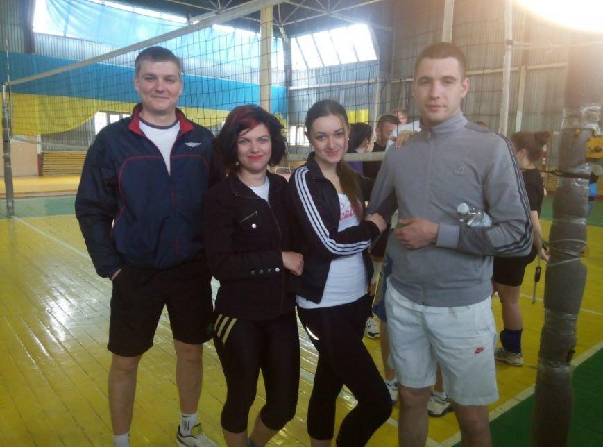 В Родинском прошел открытый областной турнир по парковому волейболу (фото) - фото 2