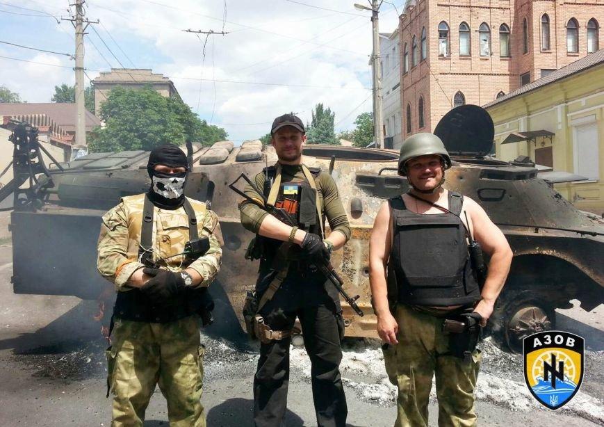 Освобождавший Мариуполь полк «Азов» празднует годовщину (ФОТО) (фото) - фото 1