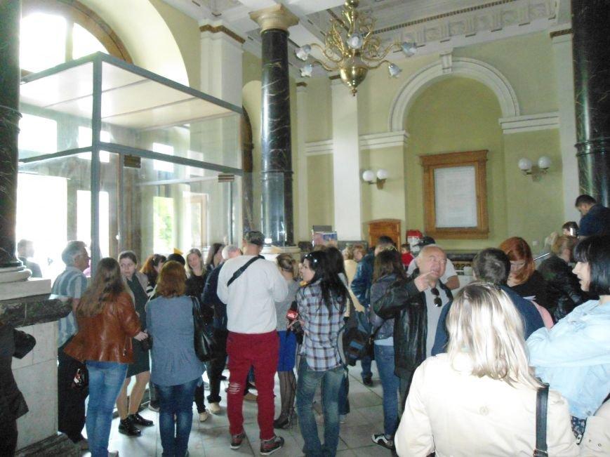 З тривогою в серці: львівські матері просять повернути їхніх синів додому (ФОТОРЕПОРТАЖ) (фото) - фото 1