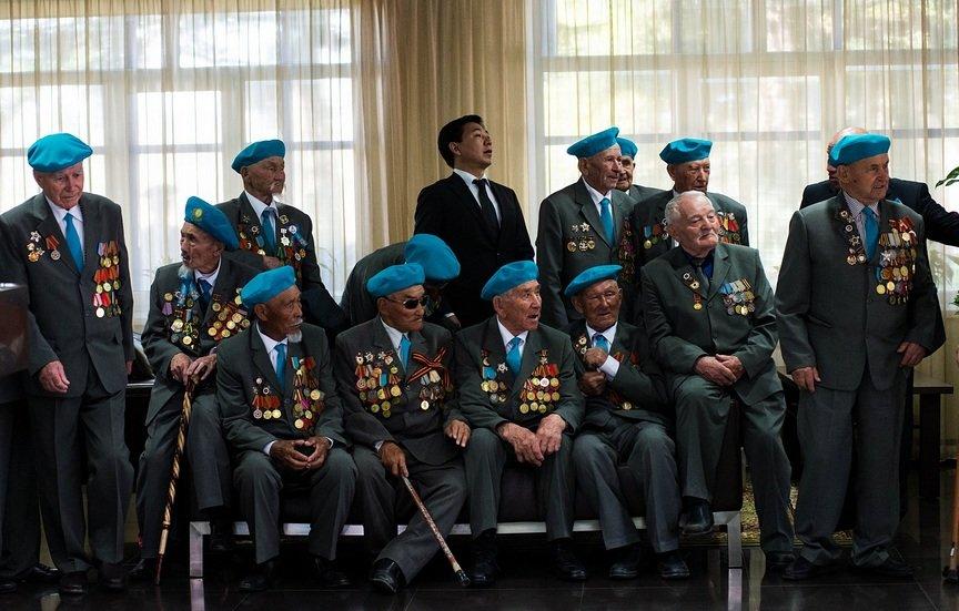 Ветераны в аэропорту