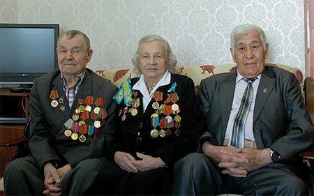 Дети поздравляют ветеранов, фото-1