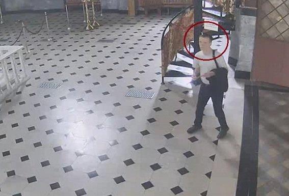 В Киеве двое грабителей позарились на святыни в Киево-Печерской Лавре (ФОТО, ВИДЕО) (фото) - фото 1