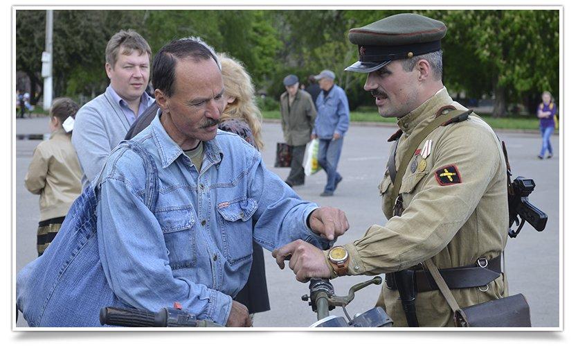 Славянск посетили раритетные автомобили времён Второй мировой войны (фото) - фото 11