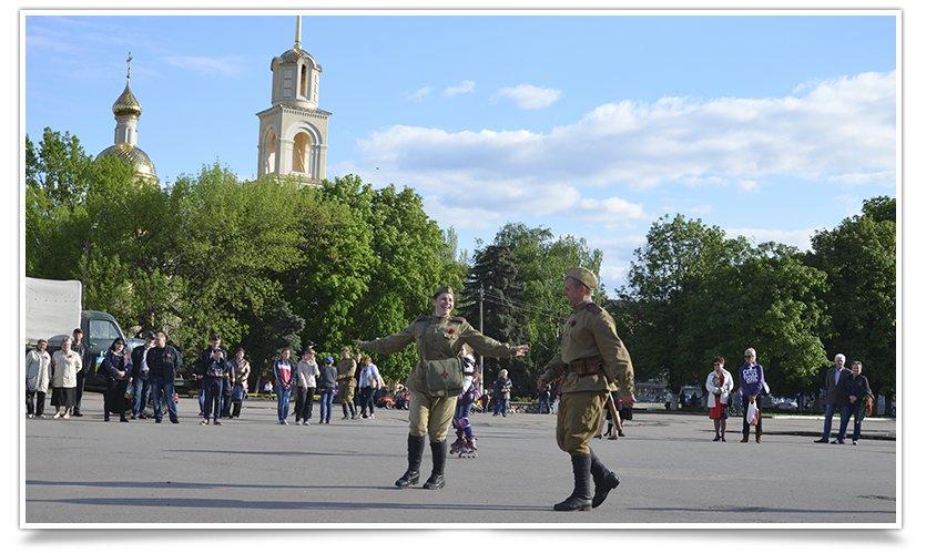 Славянск посетили раритетные автомобили времён Второй мировой войны (фото) - фото 19