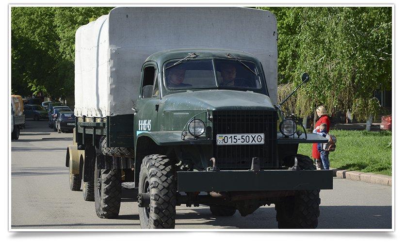 Славянск посетили раритетные автомобили времён Второй мировой войны (фото) - фото 2