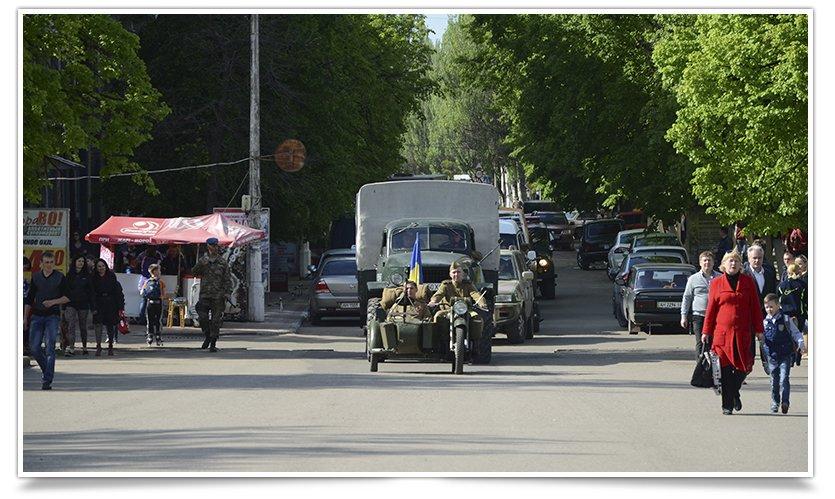 Славянск посетили раритетные автомобили времён Второй мировой войны (фото) - фото 1