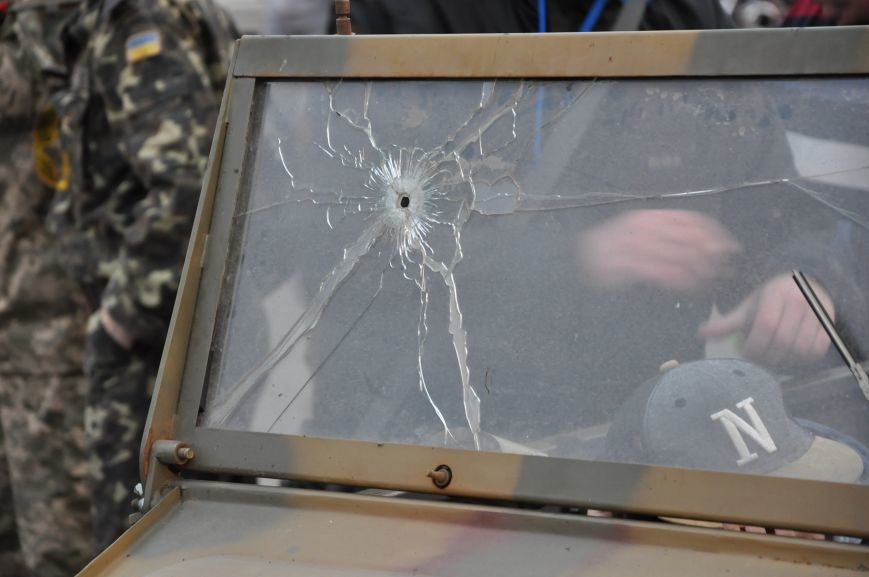 На главную площадь Краматорска заехала военная техника, фото-7