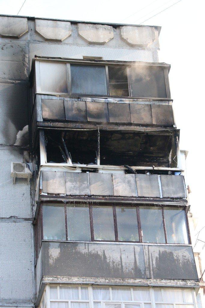 Возле Черниговского педуниверситета горел балкон многоэтажки, фото-2