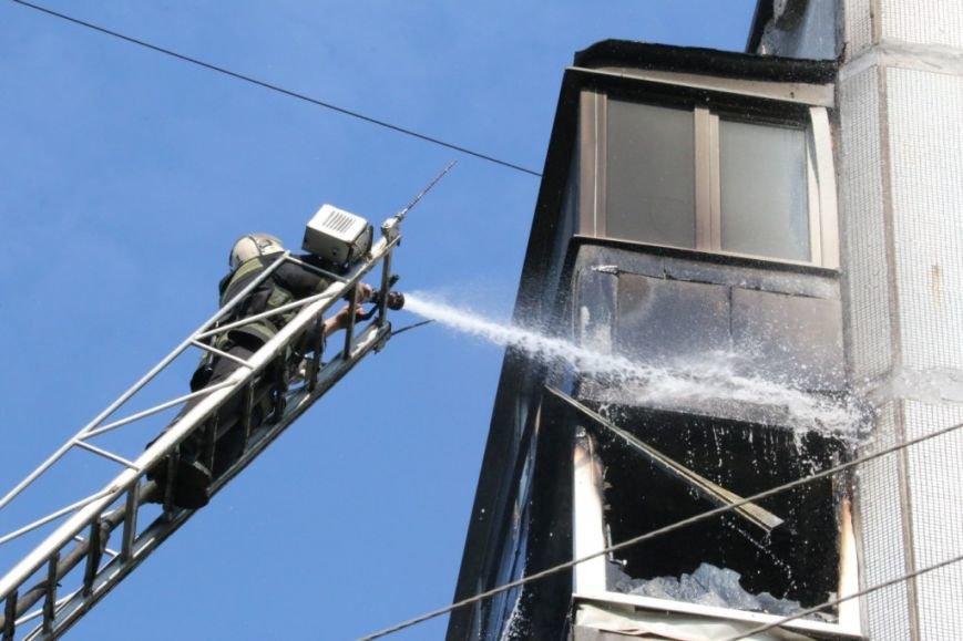 Возле Черниговского педуниверситета горел балкон многоэтажки, фото-5