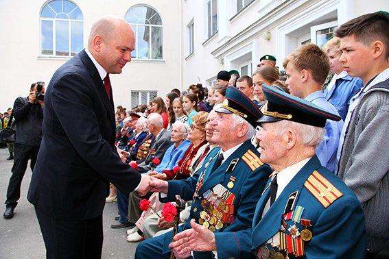 У Хмельницькому вшанували ветеранів другої світової війни та учасників АТО (ФОТОРЕПОРТАЖ) (фото) - фото 5