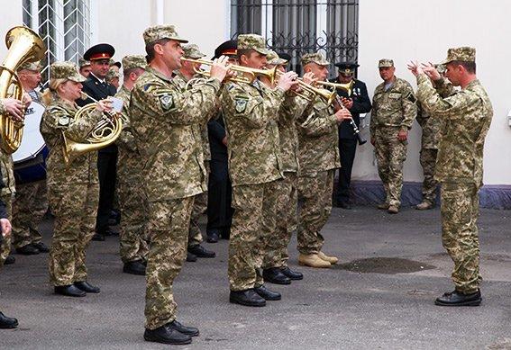 У Хмельницькому вшанували ветеранів другої світової війни та учасників АТО (ФОТОРЕПОРТАЖ) (фото) - фото 4
