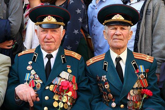 У Хмельницькому вшанували ветеранів другої світової війни та учасників АТО (ФОТОРЕПОРТАЖ) (фото) - фото 2