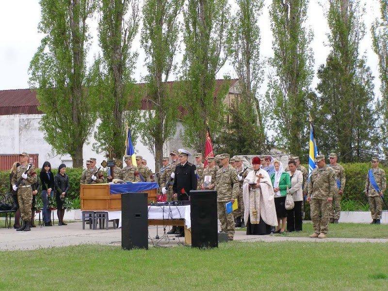 Николаевщина провела в последний путь спецназовца, которого террористы трижды лишали жизни (ФОТО) (фото) - фото 3