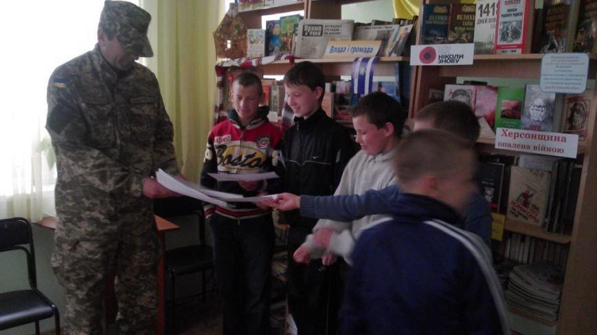 Херсонская детвора пишет письма и открытки бойцам АТО (фото), фото-3