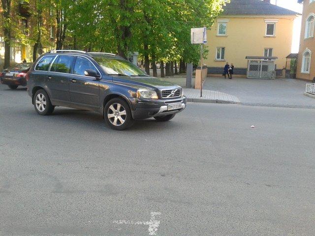 В центре Сум автомобиль сбил 93-летнюю женщину (ФОТО), фото-1