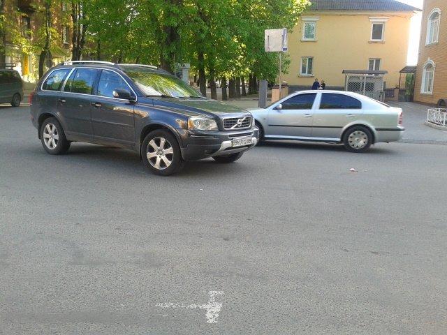 В центре Сум автомобиль сбил 93-летнюю женщину (ФОТО), фото-2