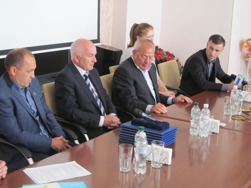 Представители городской власти поздравили кременчугских спортсменов с победами (ФОТО), фото-7