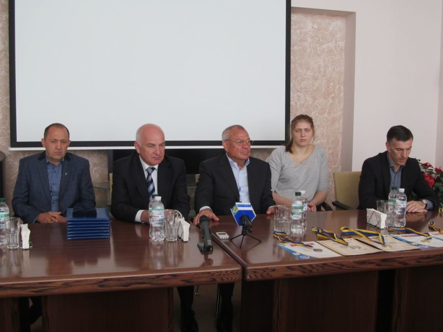 Представители городской власти поздравили кременчугских спортсменов с победами (ФОТО), фото-2