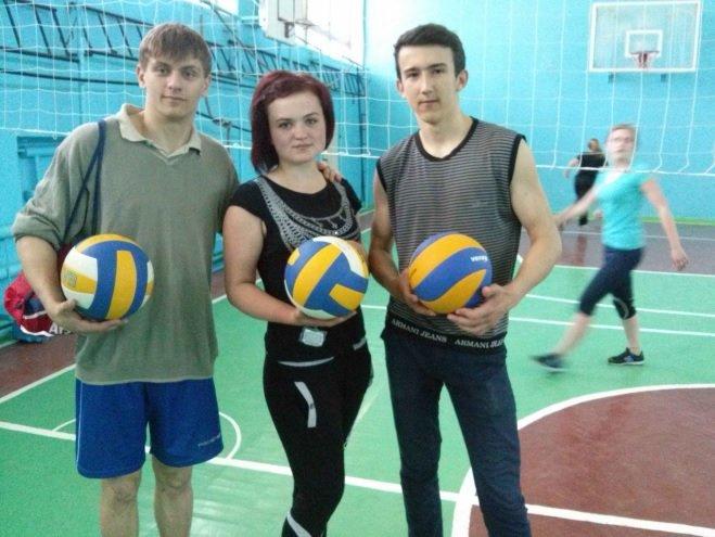 В Днепродзержинском энергетическом техникуме состоялось первенство по волейболу (фото) - фото 1