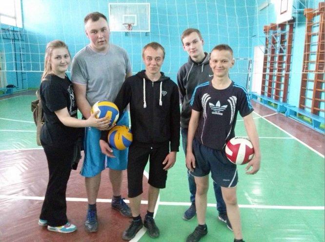 В Днепродзержинском энергетическом техникуме состоялось первенство по волейболу (фото) - фото 3