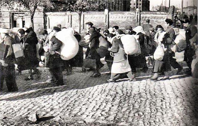 Военный Мариуполь, 23 месяца оккупации: расстрелы евреев, открытие храмов и театра, депортация (фото) - фото 2