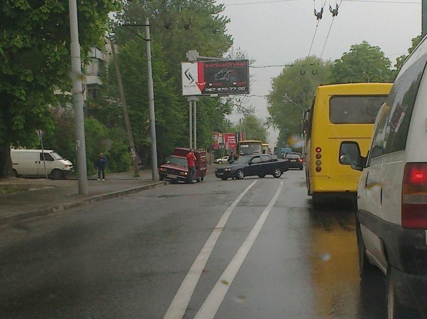 Як 6 травня львівські водії потрощили свої іномарки (ФОТОРЕПОРТАЖ) (фото) - фото 3
