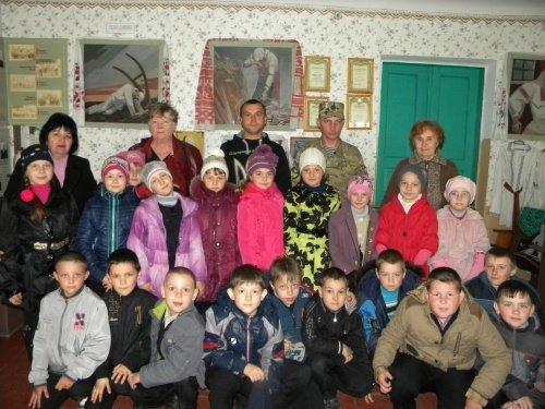 Вербковские школьники встретились с земляками - бойцами АТО (фото) - фото 1