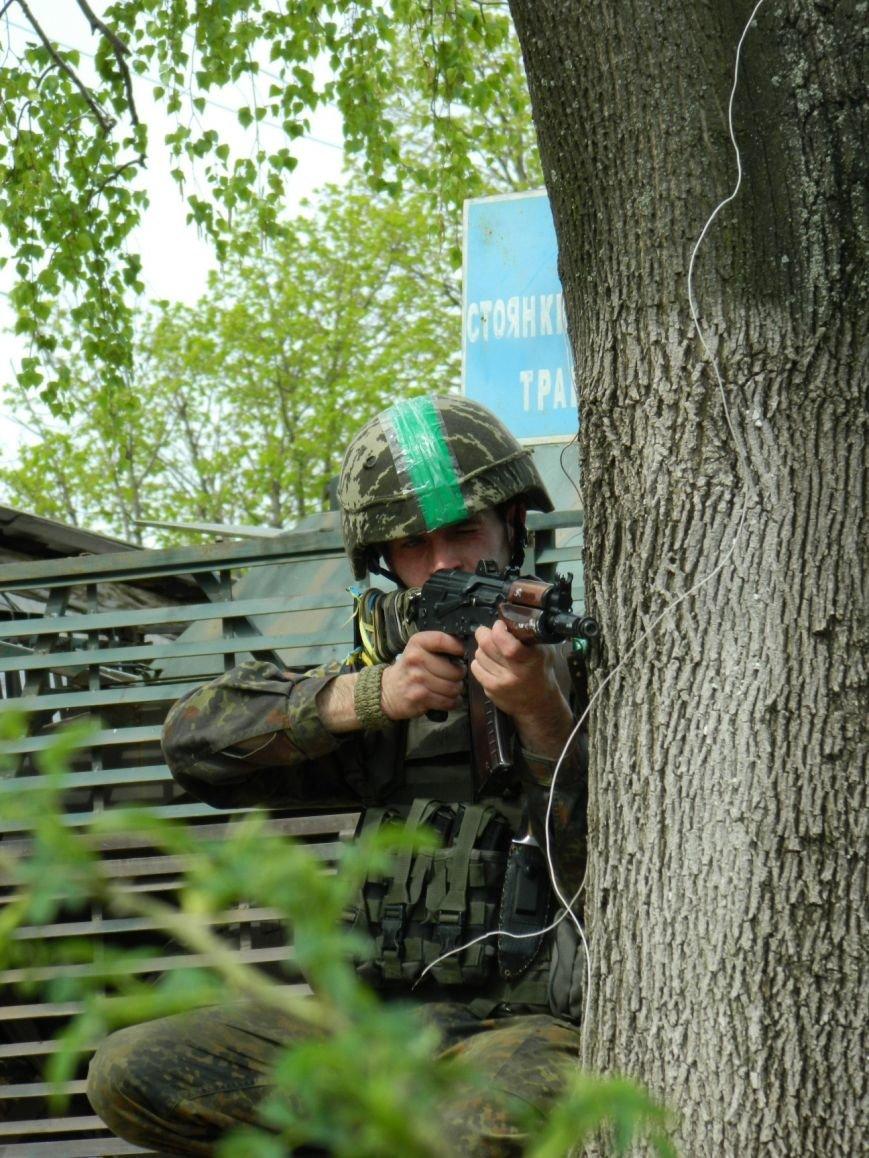 Украинские военные защищают Артемовск и продолжают учения (фото) - фото 4