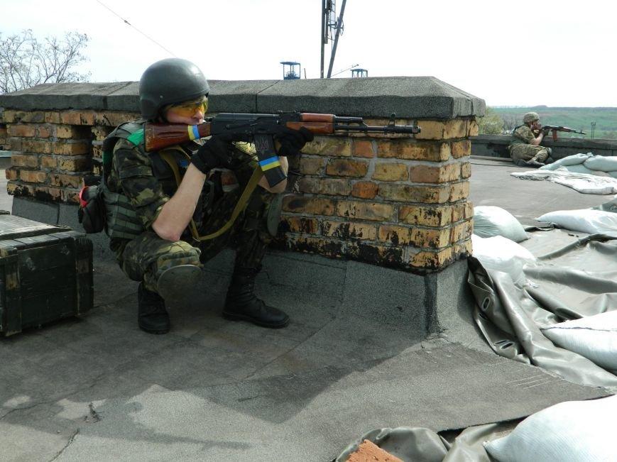 Украинские военные защищают Артемовск и продолжают учения (фото) - фото 3