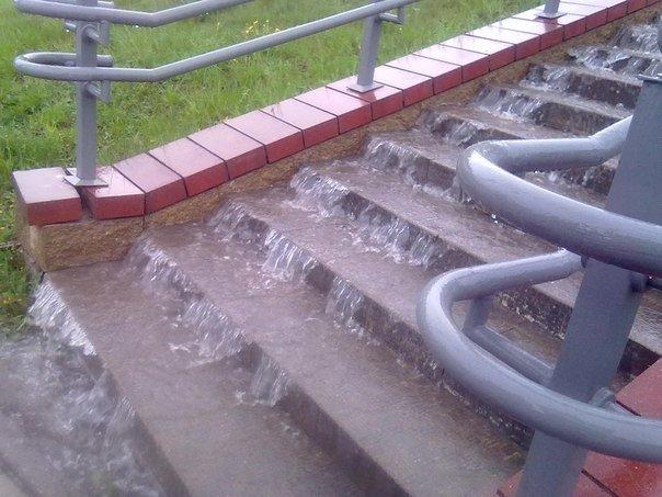 В Гродно сильный дождь за сутки подтопил 5 домов, 8 подворий и одно СТО (фото) - фото 5