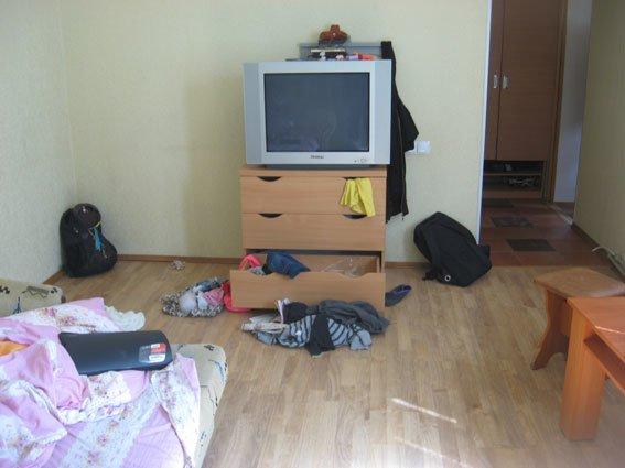 Домушники из Киева приехали «в командировку» в Чернигов (фото) - фото 1