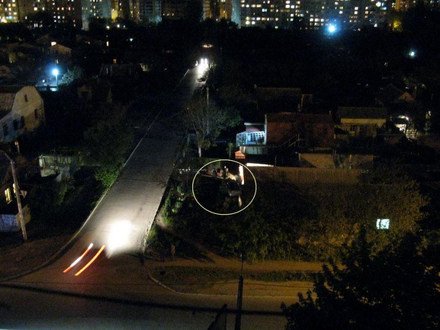 В Одессе дрифтера занесло во двор частного дома (ФОТО) (фото) - фото 1