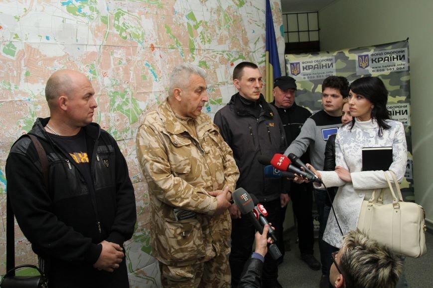 В Днепропетровск ночью приехали трое освобожденных пленных (ФОТОРЕПОРТАЖ) (фото) - фото 2