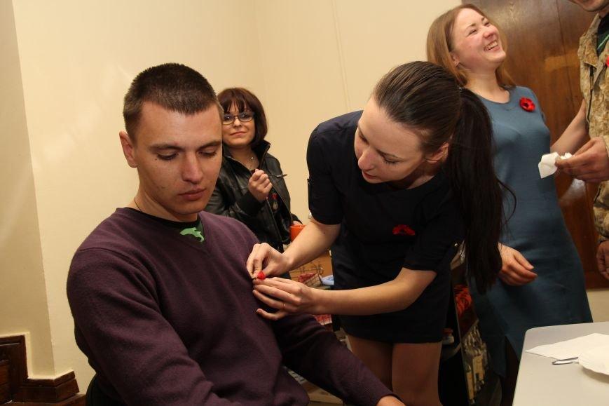 В Днепропетровск ночью приехали трое освобожденных пленных (ФОТОРЕПОРТАЖ) (фото) - фото 5